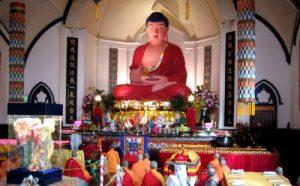 是佛陀为华藏寺开光沐浴,这仅仅是看见佛光吗?